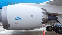 De linker motor van de 787