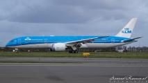 KLM Boeing 787-9 Dreamliner op Schiphol