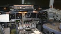 01 - Cockpit KLM MD-11 (PH-KCG)