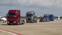 Trucks arriveren op Schiphol
