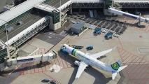 Transavia Boeing 737 bij de gate