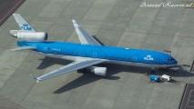 KLM MD-11 op de buffer