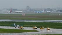 Aankomst van het vliegtuig op Schiphol Oost