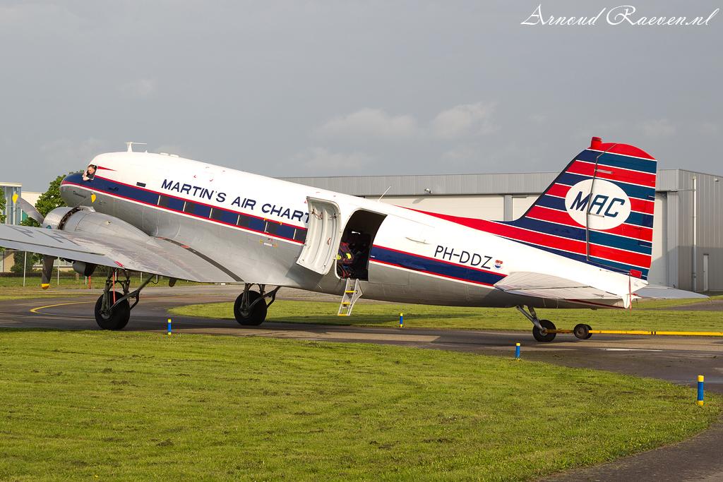 DC3 PH-DDZ klaar voor de passagiers