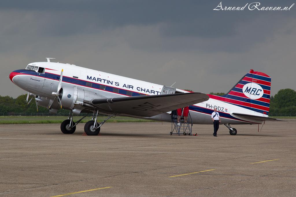 DC3 op Groningen Airport