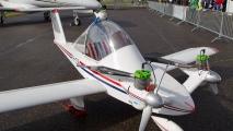 \'s werelds kleinste twee motorige vliegtuig