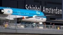 KLM Fokker 100 op het panorama terras
