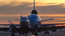 MD-11 volgt de DC3 voor het laatste ere rondje...