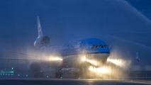 De MD-11 krijgt een laatste ere saluut