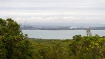 Uitzicht vanaf Rangitoto naar Auckland