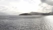 Panorama van het fjord.