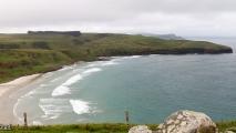 Uitzicht over de baai van de zeeleeuwen en de pinguins