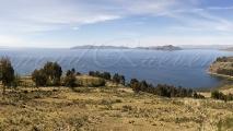 Panorama uitzicht over het Titicacameer