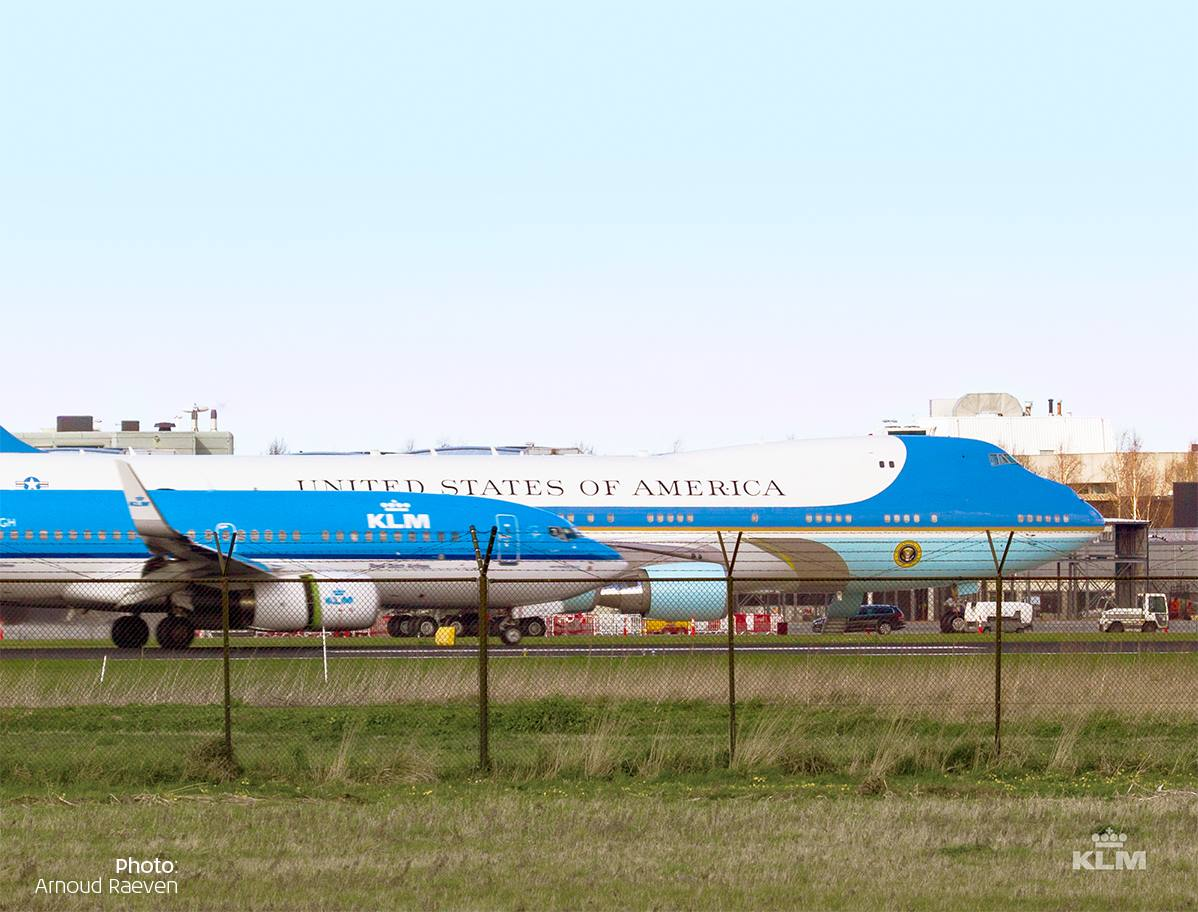 KLM Boeing 737 & Air Force One during the NSS 2014 (2014)