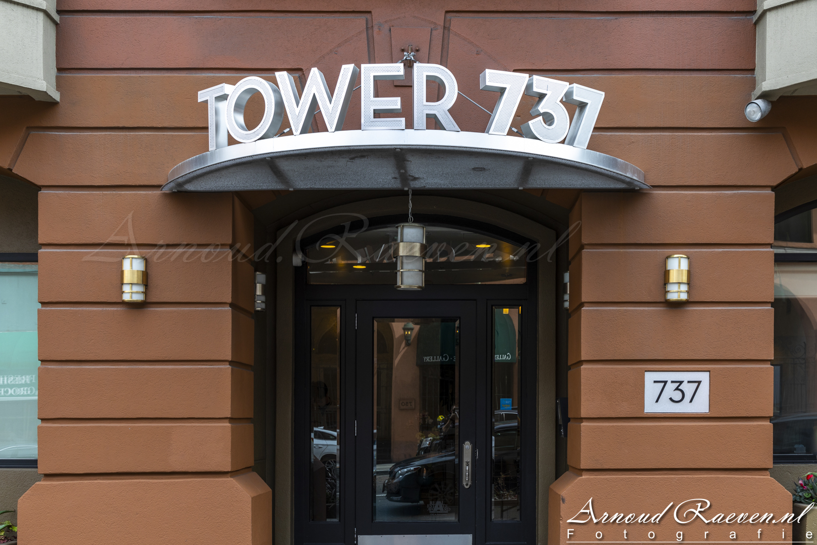 Tower 737