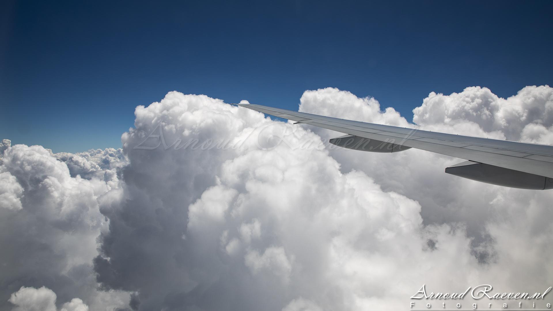Wolken tijdens de daling